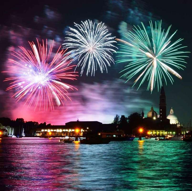 New Year Eve Boat Party with Dinner in Venice Italy